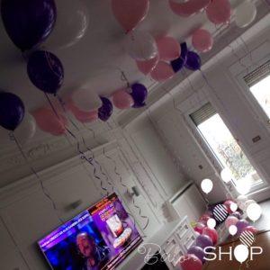 roze belo ljubicasti baloni