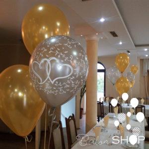 baloni na stolu
