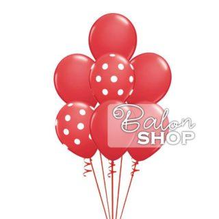 Crveni baloni punjeni helijumom
