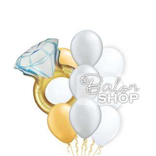 Prsten u buketu balona