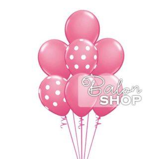 Roze baloni punjeni helijumom