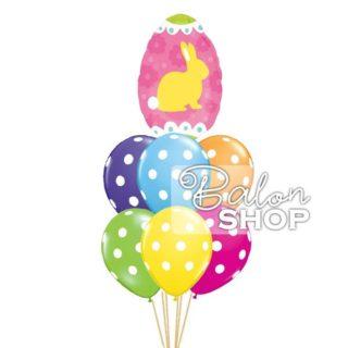 Jaje sa zekom u buketu balona za Uskrs